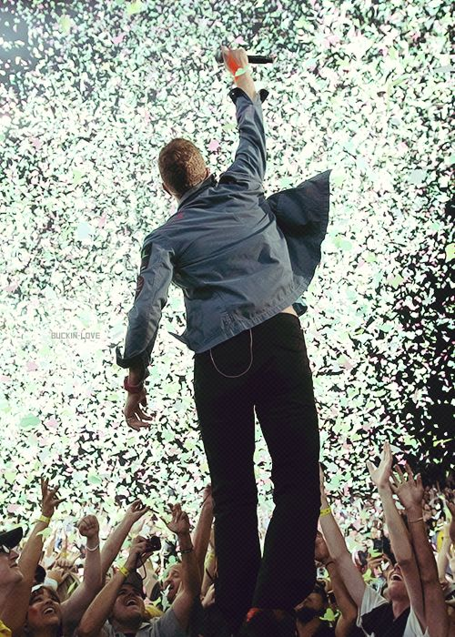 Coldplay concerts look so amazing