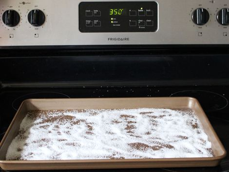 25 Best Ideas About Cleaning Pans On Pinterest Diy Oven Cleaning Cleaning Baking Pans And