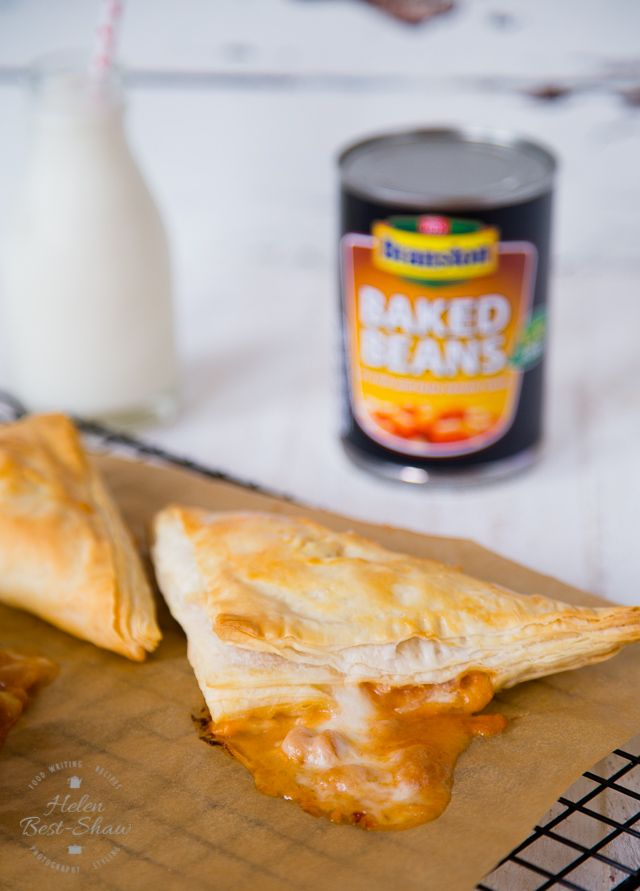Quick and easy to make these cheese and onion baked bean pasty puffs make a quick snack suitable for all the family.