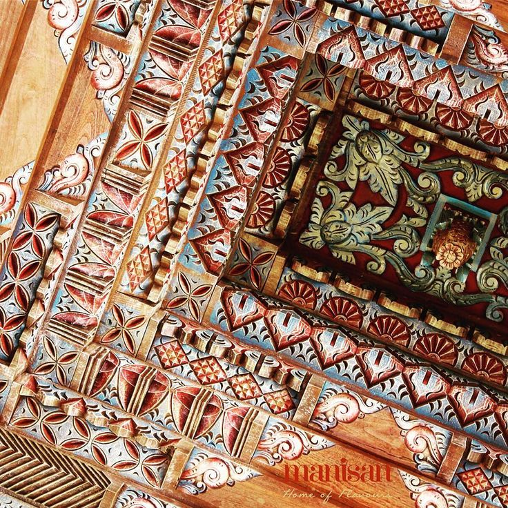 """Joglo architecture called """"Tumpang Sari"""" at Manisan Bali. It found on among the pillars. In Javanese spirituality, it symbolizes the Almighty of God. Javanese believe that in the sky there is another sky above it. It means that no other power but God."""