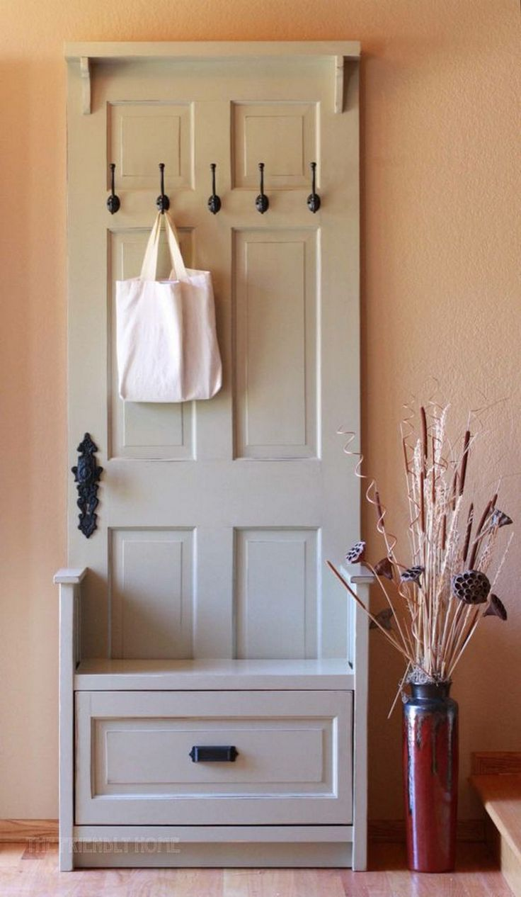 25 DIY Wonderful Ideas for Reusing Old Doors --- I have a bunch of old doors to use from our newly remodeled farm house! Entry way