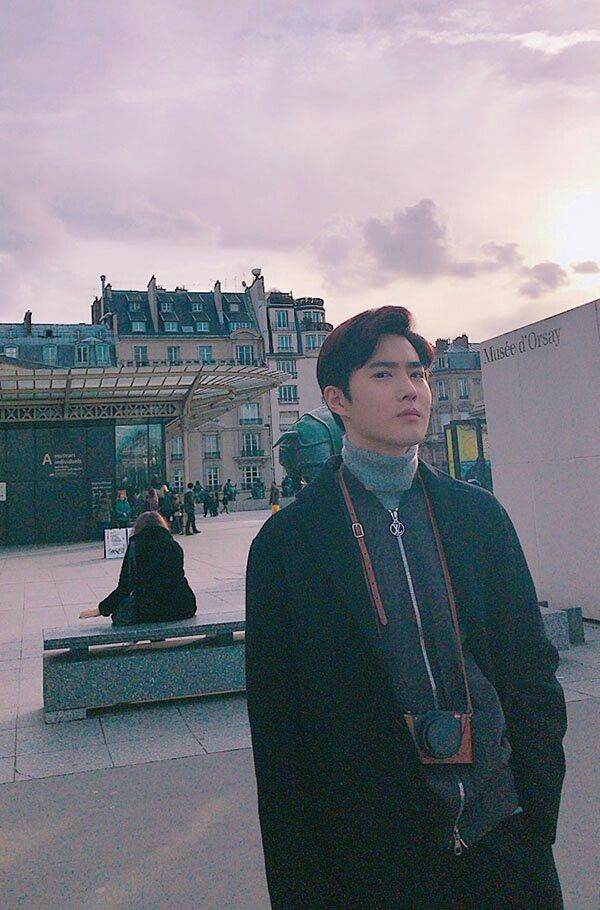Suho in Paris