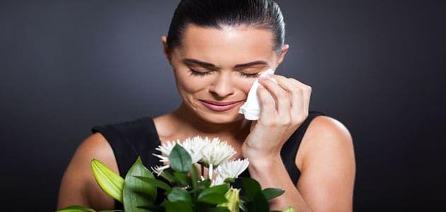 معنى رؤية الموت للحي والبكاء عليه في المنام للمرأة البكاء على الحي الموت الموت في الحلم الموت في المنام Cremation Funeral Funeral Etiquette