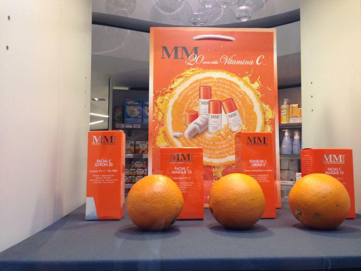 #Giornata #VitaminaC presso la Farmacia San Babila a Milano con #LillyKos, #skincare #MyCli, e i #trattamenti della linea #MeneMoy by Rômulo Mêne