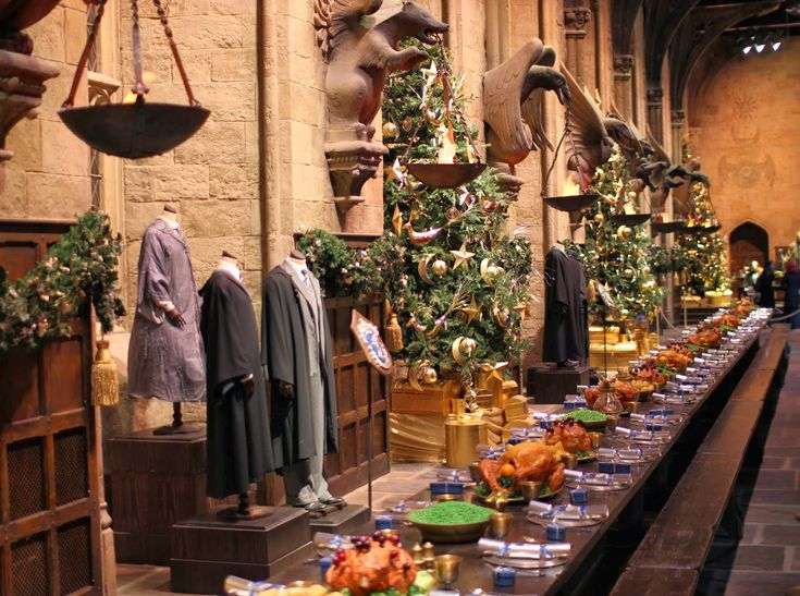 WARNER BROS. STUDIO London TOUR: HOGWARTS IN THE SNOW – Lily Pebbles
