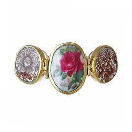 http://www.sagensweden.com/en/porcelain-jewellery/silver-line/test-2/ švédské šperky z rozbitého porcelánu