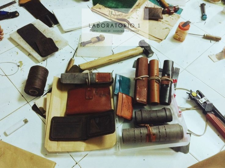 #HandcraftedLeather 'rey.winter.stuff' by REY.WINTER of @laboratorio.1 are going to the first customers . Thanks all  #afternoon #Monday #rainyday #lifeisbeautiful #hcmc #hcmclife #Vietnam #district1 #LaboratorioOne #handmadeleather #leather #reywinterstuff #reywinter #PencilHolder #CableHolder #NotebookCover #smallwallet #menwallet #wallet #CardHolder #vsco #vscocam #onthefloor #leathertool #workshop #work