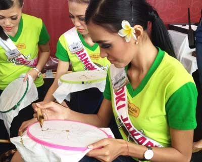 Finalists of Puteri Indonesia 2015 enjoys Spa Treatment