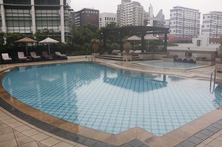Bugis   Singapore  Swimming pool of the hotel stay.  #travel #singapore #bugis #limkimkeong #limkimkeong_asia #limkimkeong_singapore #igtravel #ig_singapore #旅行 #新加坡 #hotel #intercontinental