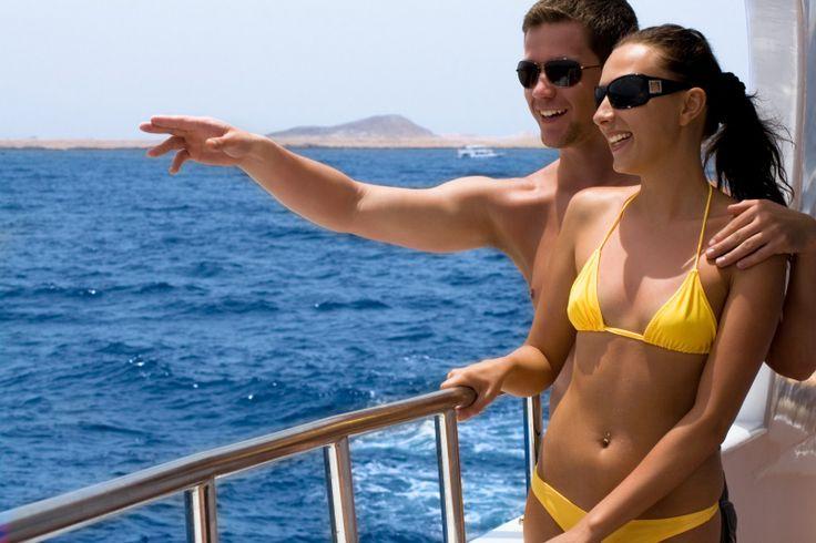 Dünyanın dört bir yanında heyecan. Gemi seyahati seçiminiz, hayallerinizi gerçekleştirmek üzere tasarlanmıştır: Dünyanın neresinde olursanız olun sizi mutlu edecek, 3 geceden 121 geceye kadar seyahat programları. Gündelik rutin hayata dinlendirici bir mola vermek için Akdeniz'de mini tatiller ve zaman mesele olmadığında çıkılacak büyük dünya seyahatleri... Bilgi & Rezervasyon 0850 460 88 11