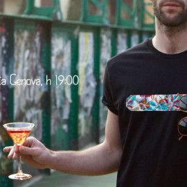 T-shirt with hanging glasses bend. Photo By Alexandra Pirajno
