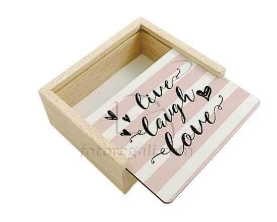 Scatola portaoggetti in legno Live love