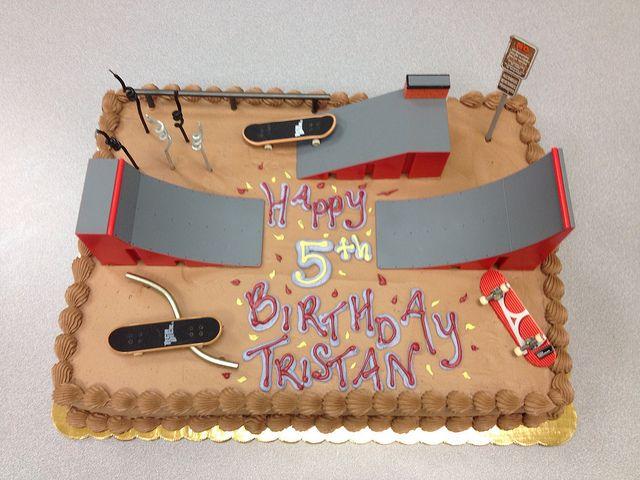 Skatepark Cake cakepins.com