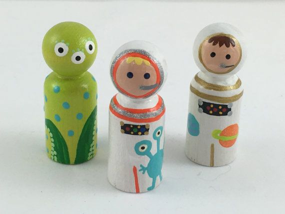 Astronaut Alien Peg Dolls, Peg People, Wooden Peg Dolls, Peg Doll Cake Topper, Waldorf Peg People, (Set of 3)