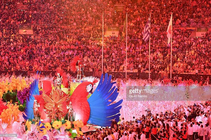 Carnival dancers perform during the Closing Ceremony on Day 16 of the Rio 2016 Olympic Games at Maracana Stadium on August 21, 2016 in Rio de Janeiro, Brazil.