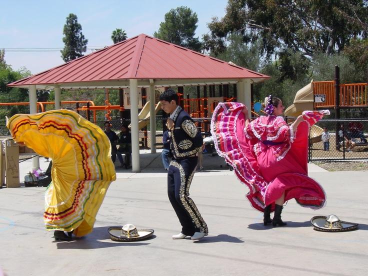 Baile Folklorico, Fallbrook Community Center. www.sdparks.org