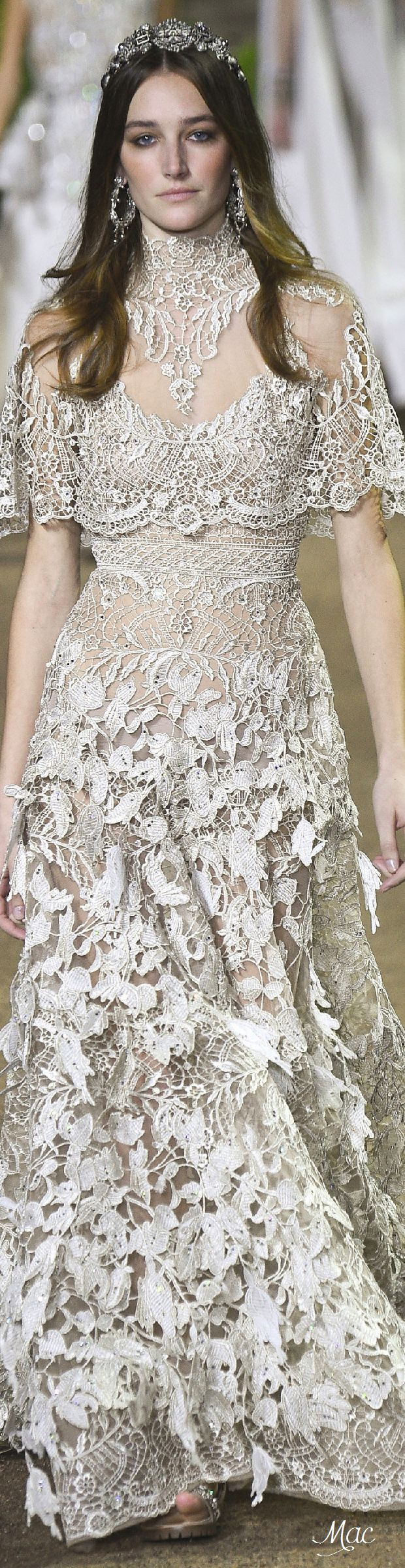 Spring 2016 Elie Saab- this is gorgeous but for me the skirt from the waist down doesn't fit the elegance of the top. Love both but they just don't fit together.