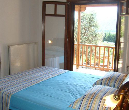 Camelia, double bedroom 1.Check the view from the bed!