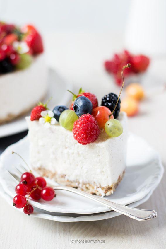 Kokos-Beeren-Torte | laktosefrei | vegan | gesunder Kuchen | Krautkopf - Vegetarisch kochen und genießen | © monsieurmuffin