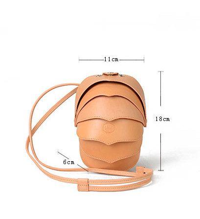 Piccolo scarabeo cuoio di Crossbody Bag piccolo di KiliDesign