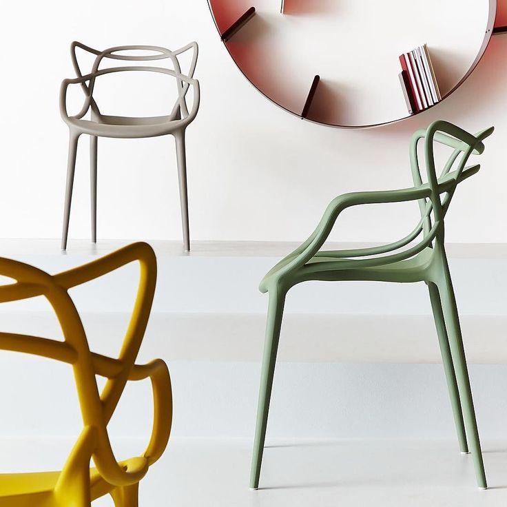 Idealne designerskie krzesła do ogrodu i na taras? Kolorowe krzesła Masters firmy Kartell - odporne na warunki atmosferyczne i  składane w stosy. Zobacz wszystkie dostępne kolory na Designisgood.pl