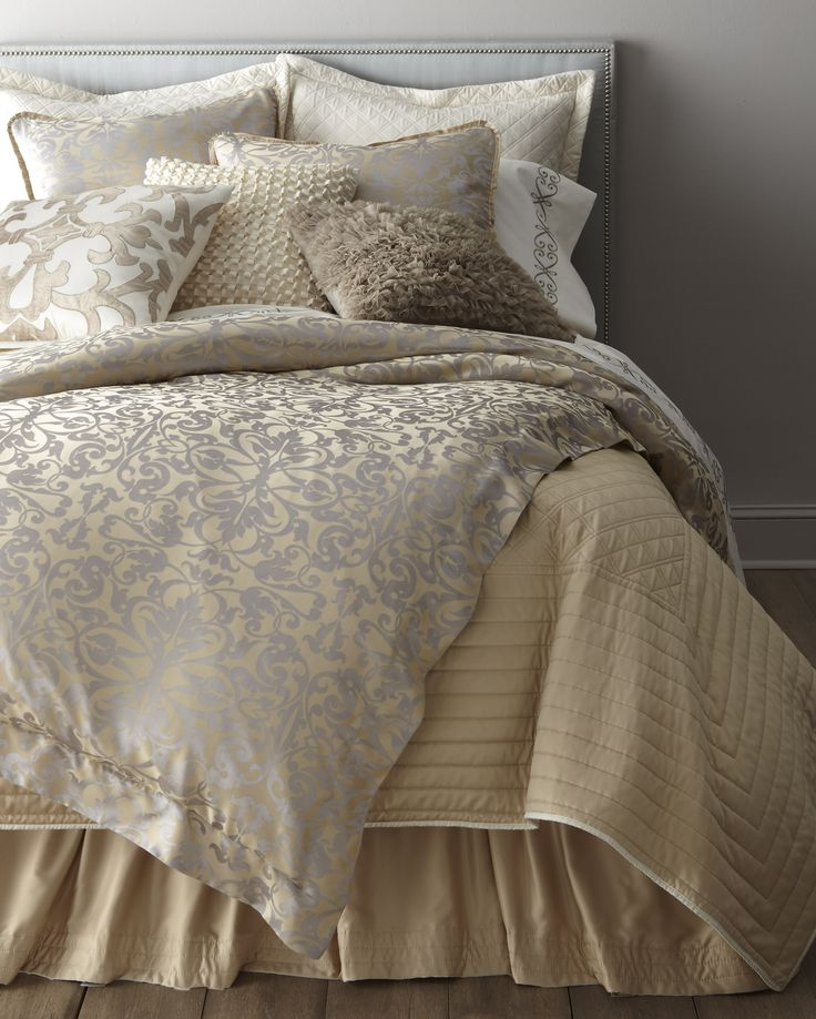 Jackie Champagne with Silver Jacquard Bedding