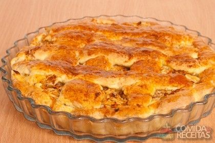Receita de Torta de frango com creme de leite - Comida e Receitas