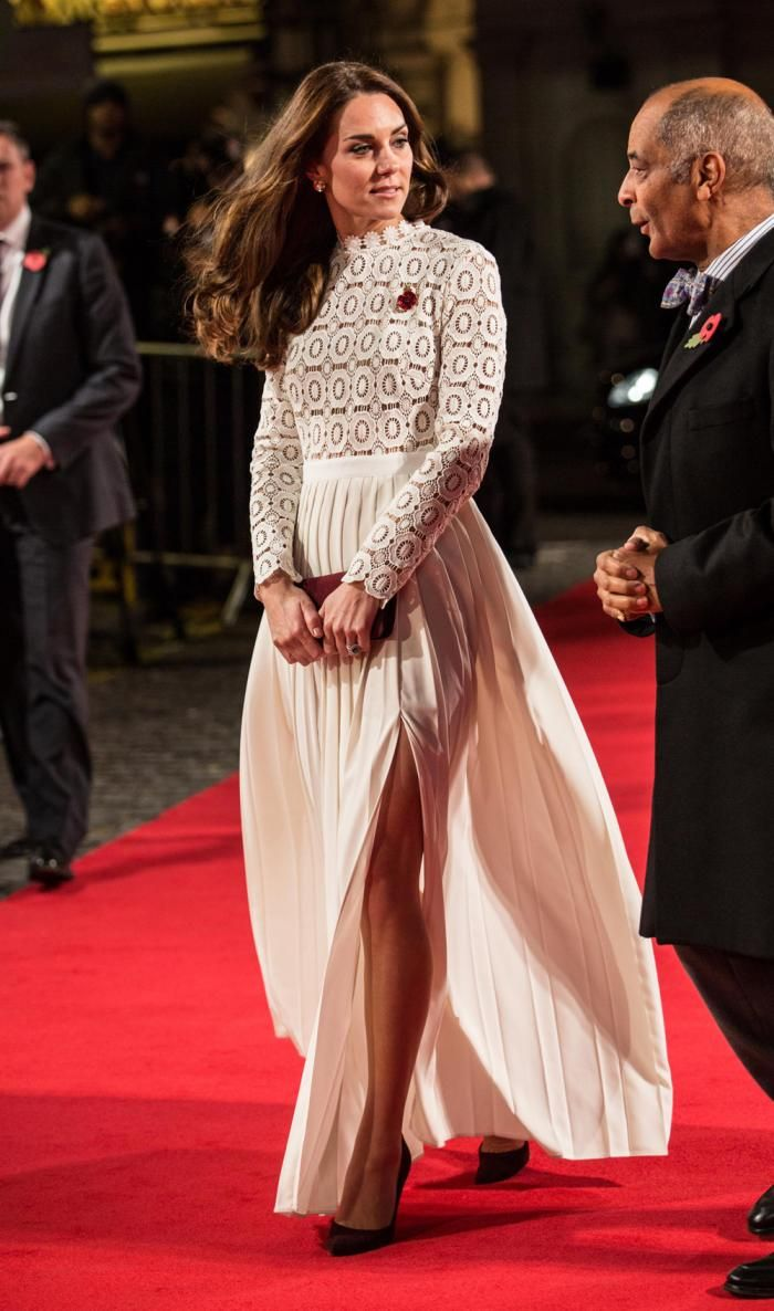 Bob the Cat might not have been impressed, but we certainly are. Check out Kate Middleton's latest movie-night look.
