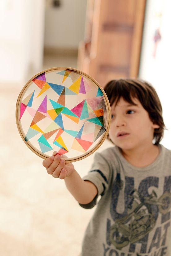 Estéfi Machado: vitral de celofane no bastidor de madeira
