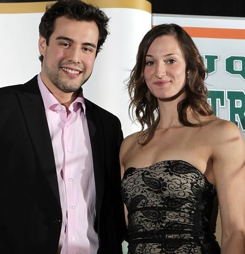 40e Mérite sportif UQTR 2012 Pierre-Luc Lessard (hockey) et Caroline Lapierre-Lemire (natation), athlètes de l'année. http://entete.uqtr.ca/description.php?no_fiche=11766