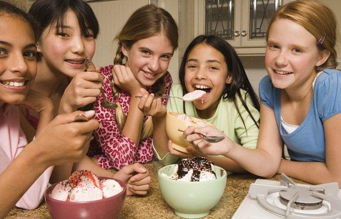 Pigiama party : che cosa preparare da mangiare ? - Idee e consigli per organizzare un pigiama party   - alfemminile
