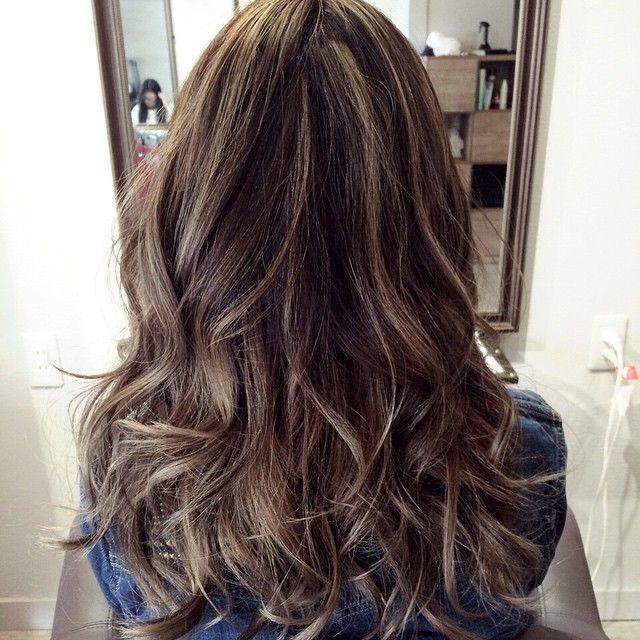 「今年の夏は可愛くナチュラルなハイライトヘアカラー♡」に含まれるinstagramの画像|MERY [メリー]
