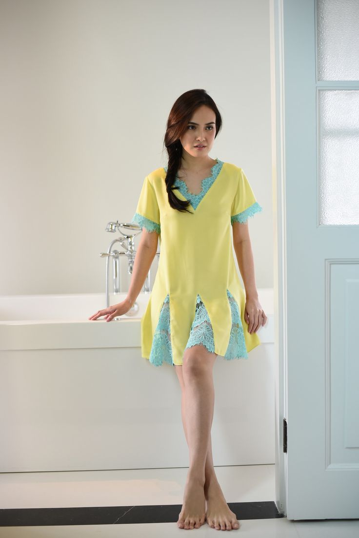 Shandy Aulia Collections