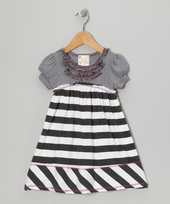 little girls sewing idea  no pattern but fun inspiration! love the ruffle idea and contrasting stitching
