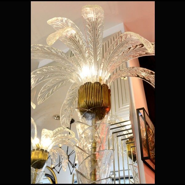 Palm tree light, Pacific Compagnie. http://www.kenisahome.com/blog