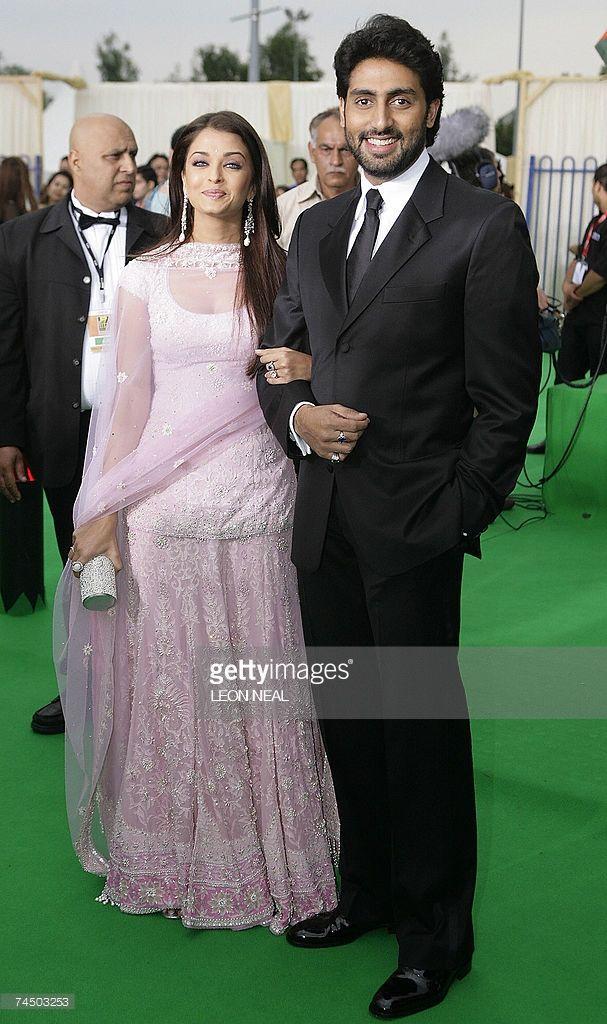 Indian Actress Aishwarya Rai And Her Husband Abhishek Bachchan Arrive At The International Indian Film Academy A Indian Actresses Actress Aishwarya Rai Dresses