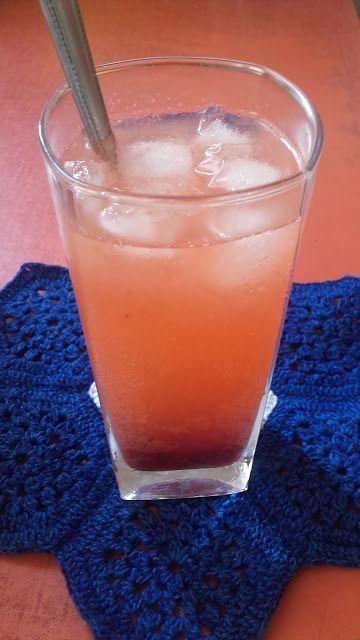 Gyümölcsös limonádé
