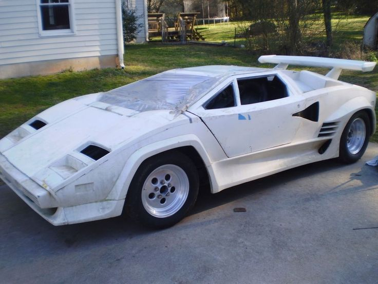 Replica Kit Makes Lamborghini Countach Lp400 Replica