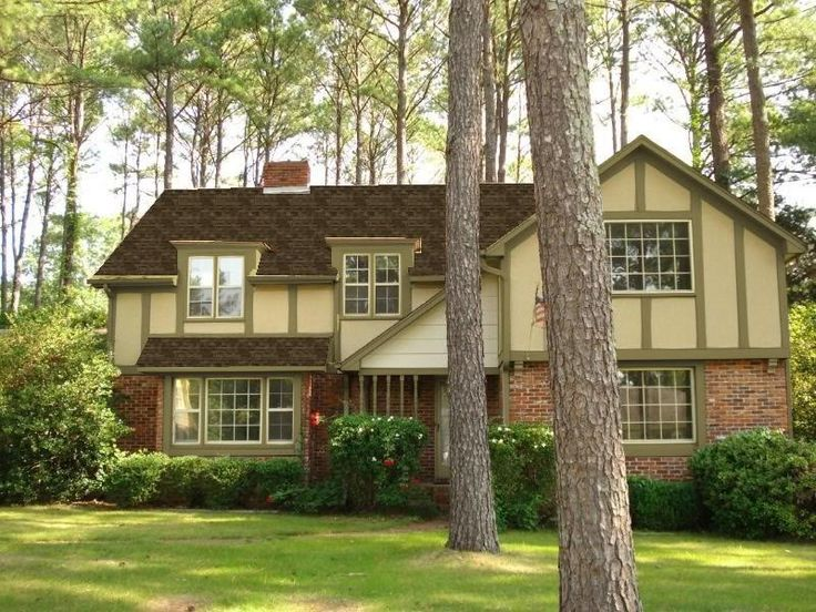 17 best ideas about brown roofs on pinterest house for Dark brown exterior trim