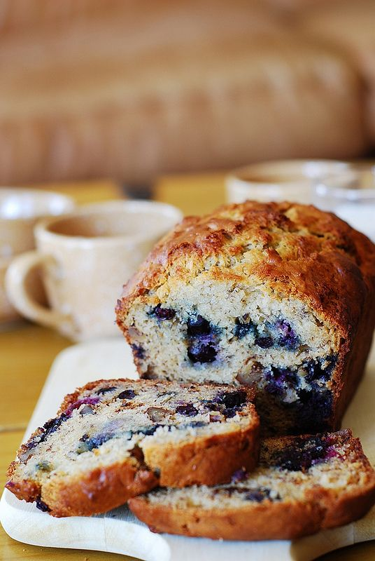 Banana bread with blueberries. only 1/3 cup butter used, the rest is replaced with Greek yogurt | JuliasAlbum.com | #breakfast #dessert