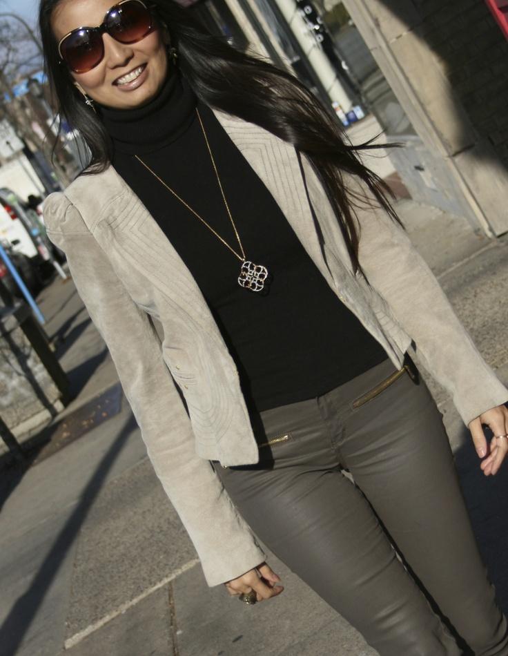 From the PS BANANAS #Minneapolis #fashionblogger: #Liefsdottir #suede jacket, #Zara coated jeans, #StellaandDot necklace