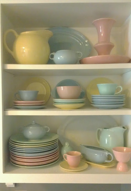 56 best images about lu ray pastel dishes on pinterest vintage dinnerware ray price and. Black Bedroom Furniture Sets. Home Design Ideas