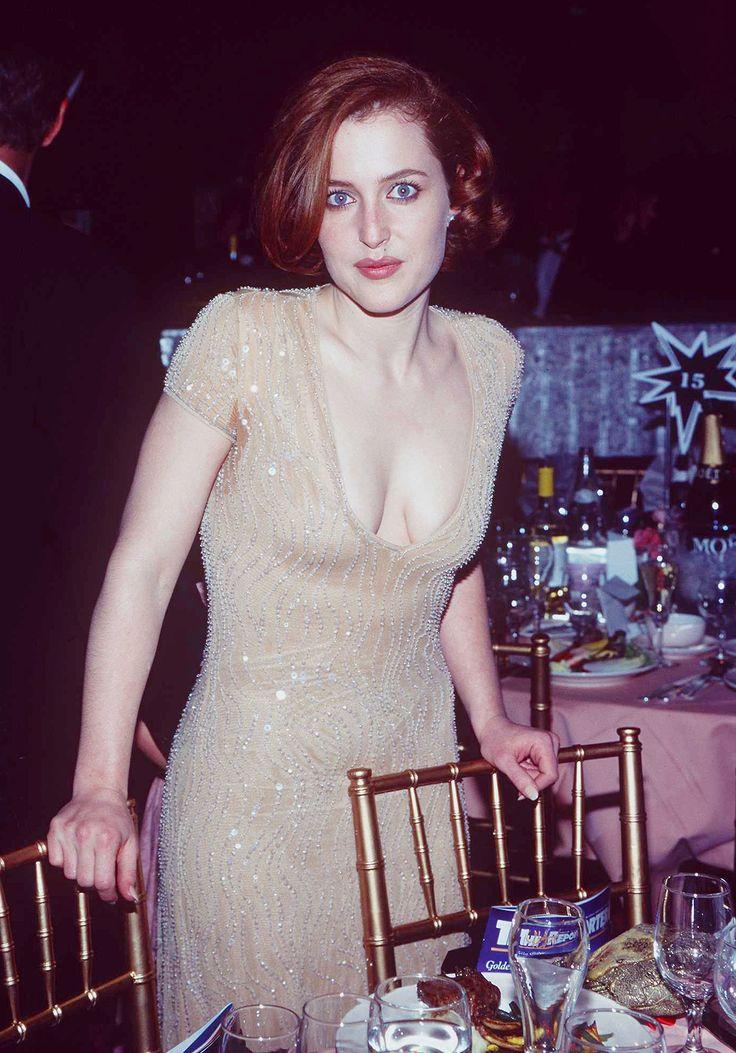 "qilliananderson: "" Gillian Anderson at the 54th Annual Golden Globe Awards (Jan 19, 1997). """