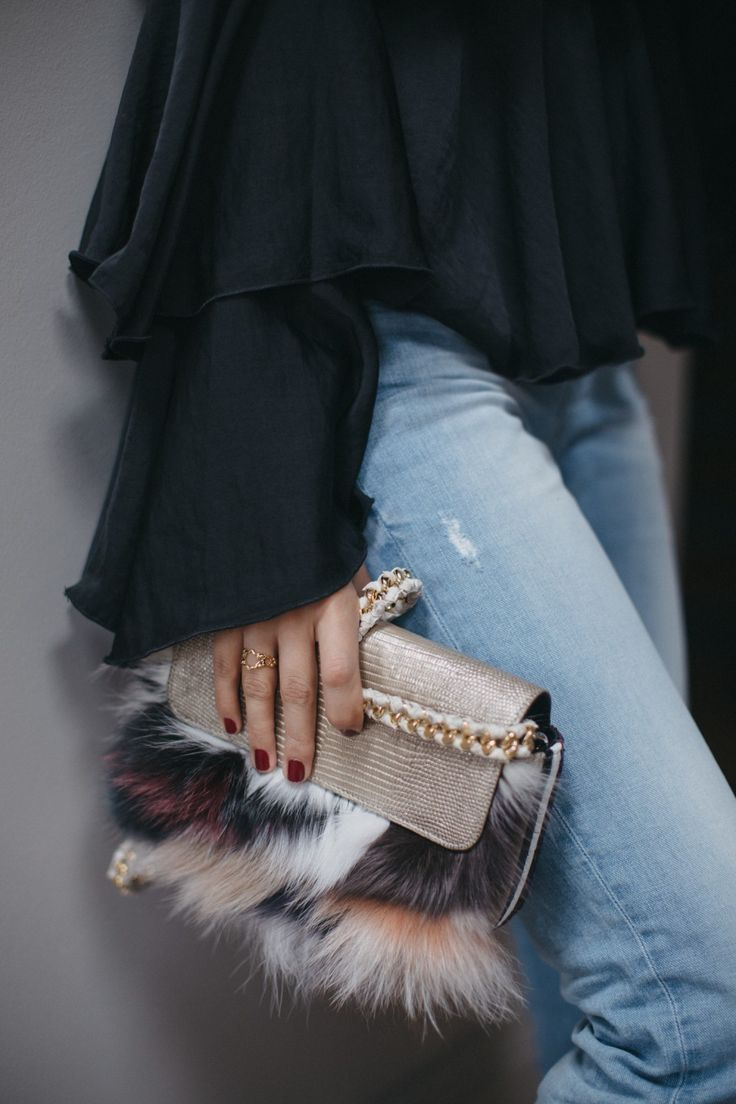 Maison Ravn, is a brand that deserves some attention and I recently discovered the brand when the founder and designer approached me to tell me about her line. Maison Ravn, was launched last year and it quickly gained momentum and is considered one of theup & coming luxury handbag label to have on your radar....
