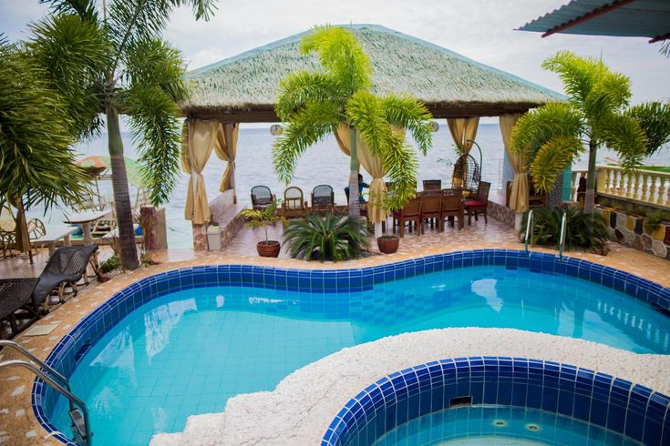 Located in Oslob in the region of Visayas, 17 miles from Dumaguete, Sascha's Resort Oslob features an outdoor pool and year-round outdoor pool.