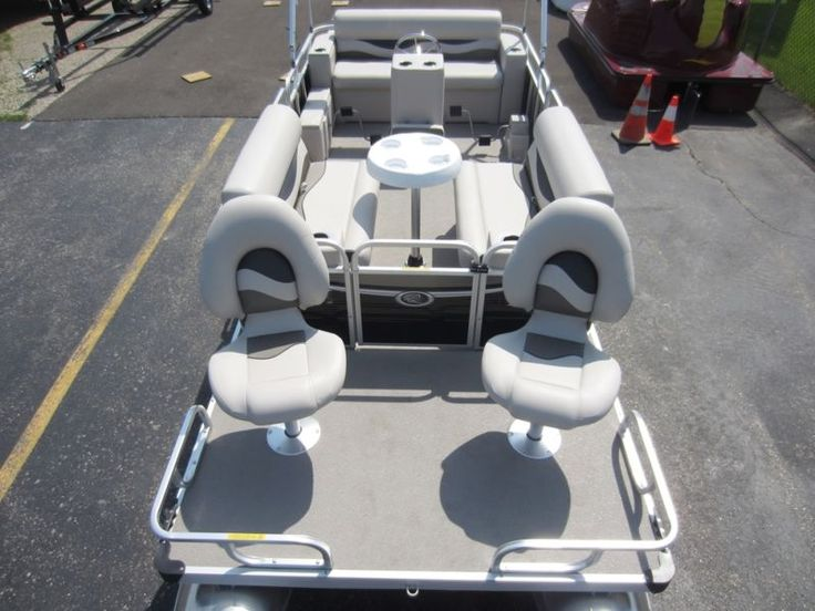 18' Paddle Qwest Pedal Powered Pontoon Boat with Large Drive Wheel 10 Person Cap