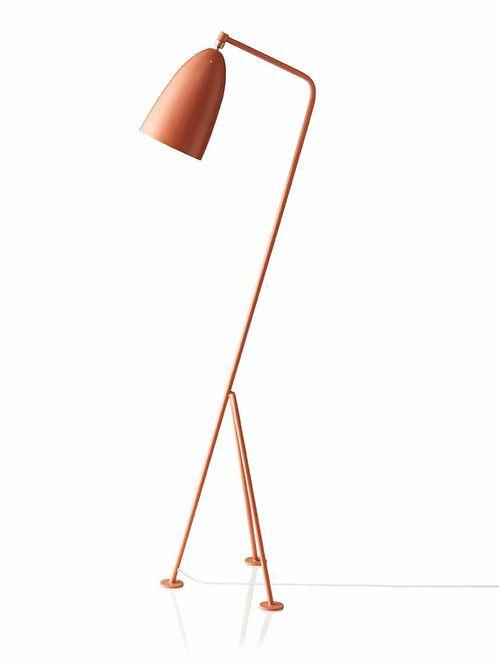 Luminária de chão vermelha Designer: Greta M. Grossman