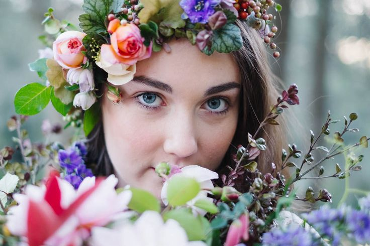 Enchanted Forest   Bohemian Styled Shoot by Lauren Metzler  http://laurenmetzler.com/ @laurenmetzlerphotography   Bohemian Forest Wedding Inspiration Modern Bride