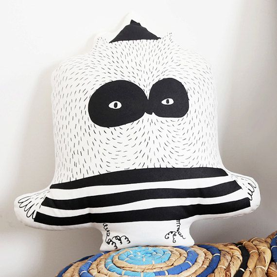 Owl pillow by DeliTime on Etsy