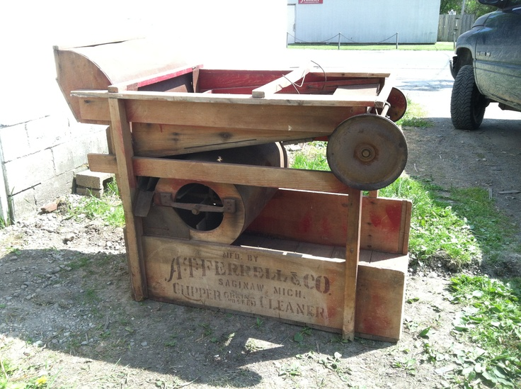 An Old Clipper No 2b Seed Cleaner